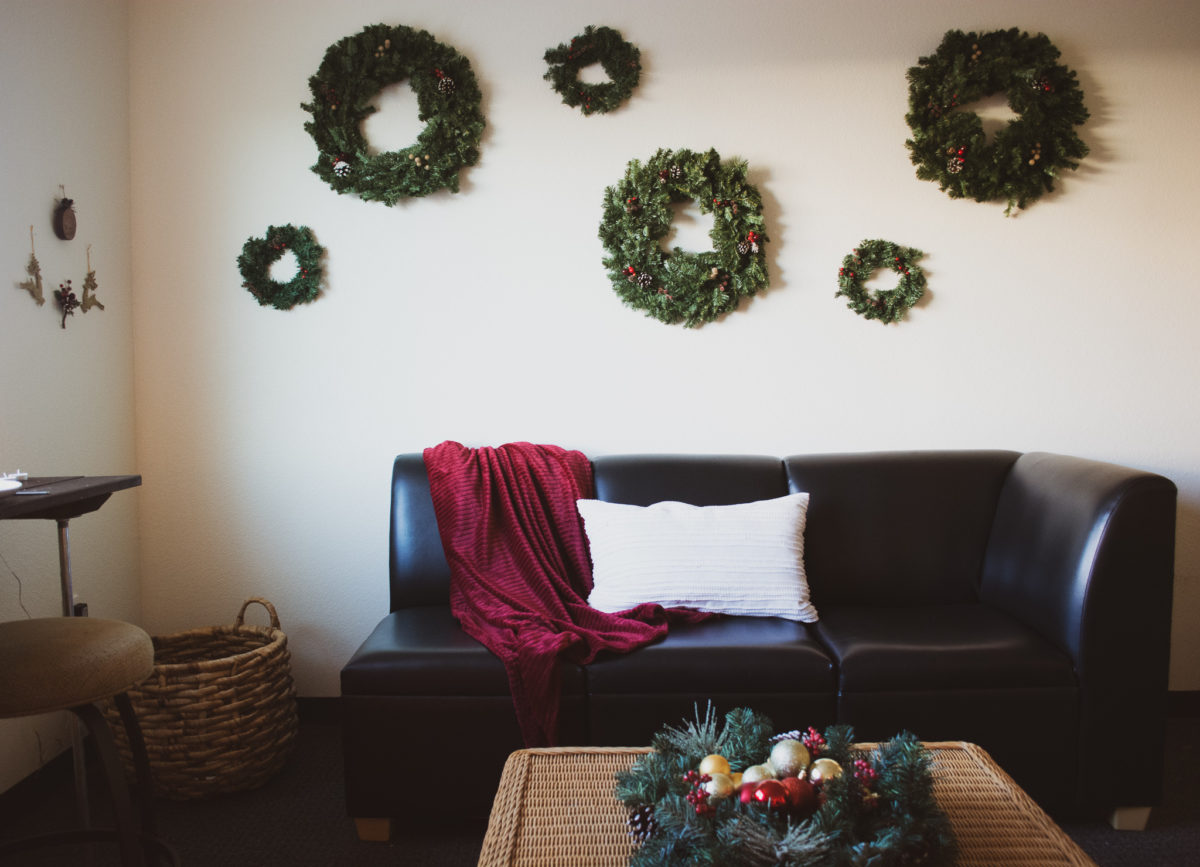 Holiday Decorating In Small Spaces - Apartments - Dorms - Vintage